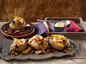 Gefüllte Ofenkartoffel mit Hähnchen, Mais und Kidneybohnen Rezept
