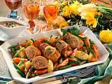 Gefüllte Schweine-Rouladen mit Möhren-Bohnen-Kartoffeln Rezept