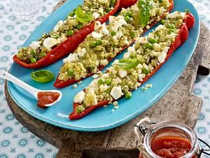 Gefüllte Spitzpaprika mit Couscous auf Tomatensugo Rezept