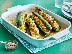 Gefüllte Zucchini mit Kartoffel-Knoblauch-Püree Rezept