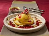 Gefüllter Bratapfel mit Nuss-Marzipan-Makronenmasse und Gelee Rezept