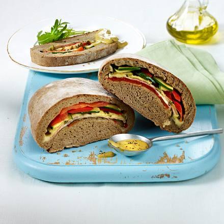 Gefülltes Brot mit Honig-Senf-Dip Rezept