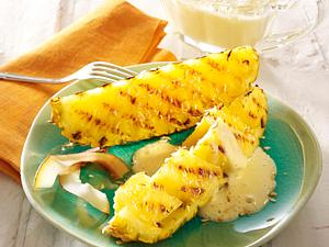 Gegrillte Ananasspalten mit Zabaione Rezept