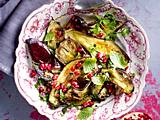 Gegrillte Auberginen mit Knoblauch, Kräutern und Granatapfelkernen Rezept