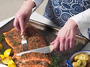 Gegrillter Lachs mit Würzkruste Rezept