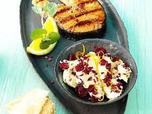 Gegrilltes Lachskotelett mit Cranberry-Senf-Butter Rezept