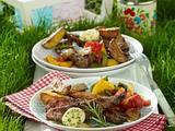 Gegrilltes Lammfilet mit Minz-Petersilien-Butter und Paprikagemüse Rezept