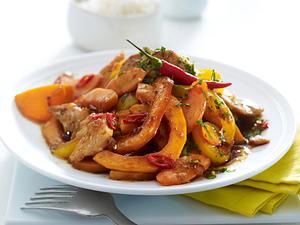Gelbes Wok-Gemüse mit Hähnchenfleisch Rezept