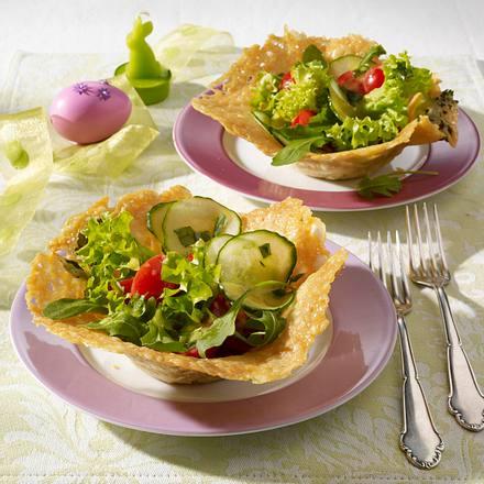 gemischter salat im parmesank rbchen variante rezept lecker. Black Bedroom Furniture Sets. Home Design Ideas