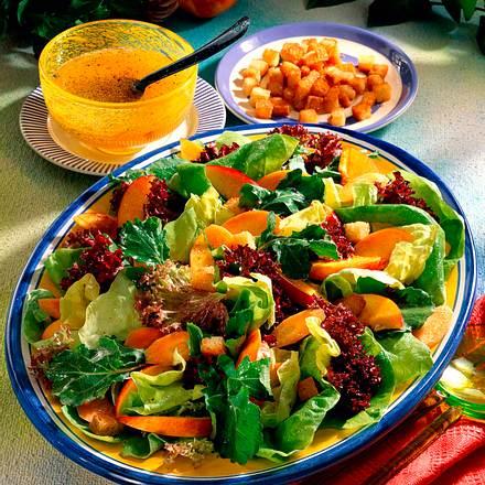 Gemischter Salat mit Nektarinen Rezept
