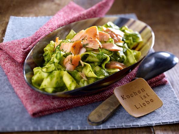 Gemüse Bandnudeln mit Stremellachs und Orangen-Dill-soße Rezept