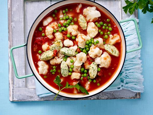 Gemüse-Eintopf mit Kräuter-Parmesan-Klößchen Rezept