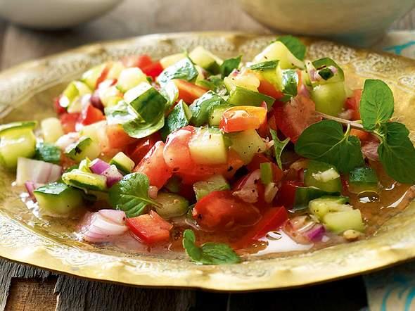 Gemüse-Minz-Salat Rezept