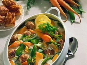 Gemüse-Ragout mit Klößchen Rezept