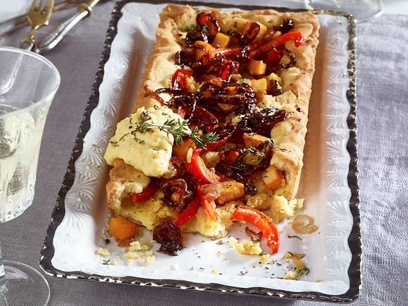 Gemüse-Tarte mit Hummus und Süßkartoffeln Rezept