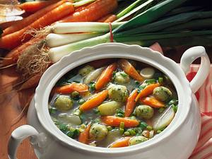 Gemüse-Topf mit Grießklößchen Rezept