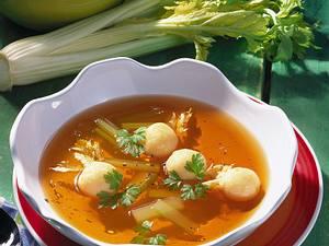 Gemüsebrühe mit Käseklößchen Rezept