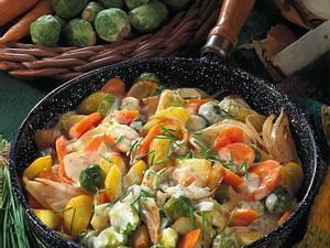 Gemüsepfanne mit Käsesoße Rezept