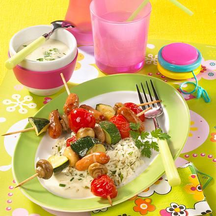 Gemüseschaschlik mit Kräuterreis und Käsesoße Rezept