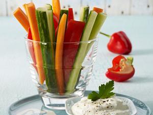 Gemüsesticks zu Kräuterquark Rezept