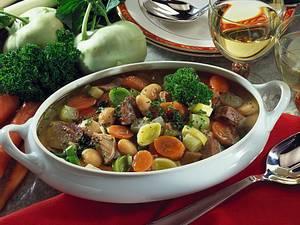 Gemüsesuppe mit Putenoberkeule Rezept
