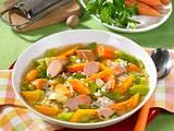 Gemüsesuppe mit Würstchen Rezept