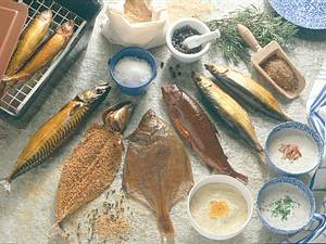 Geräucherte Makrele mit Senfkörnern und Pfeffer Rezept