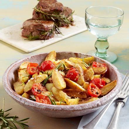 Geröstete Kartoffeln mit Olivenöl und Fleur de Sel und Rinderfilet in Rosmarin Rezept