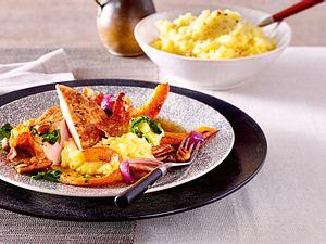 Geschmorte Koteletts mit Kürbis und Apfel-Kartoffelstampf Rezept
