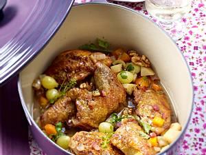 Geschmortes Perlhuhn mit Walnuss und Trauben Rezept