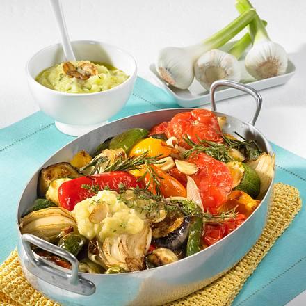 Geschmortes Sommergemüse mit Knoblauch-Kartoffelcreme Rezept