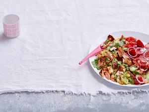 Gewürzter Lachs auf Bulgur-Kräuter-Salat Rezept