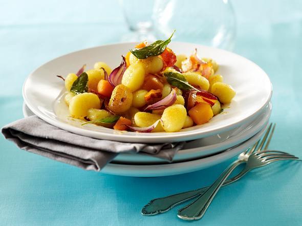 Gnocchi mit Kürbis und Speck in Salbeibutter Rezept