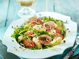 Gnocchi-Salat mit Rauke, Tomaten und Lachsschinken in Senfvinaigrette Rezept