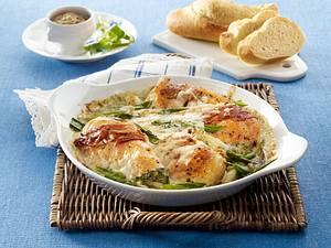 Gratinierte Hähnchenfilets in Senfsoße mit Bacon und Ziegengouda Rezept