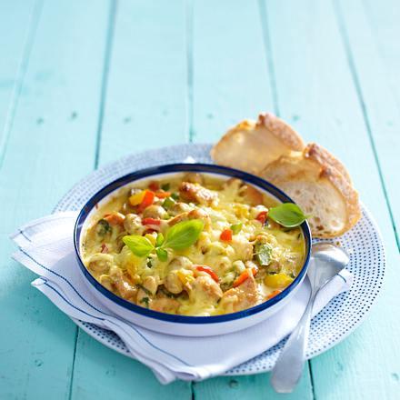 Gratinierte Hähnchenfilets mit Champignon-Paprika-Gemüse Rezept