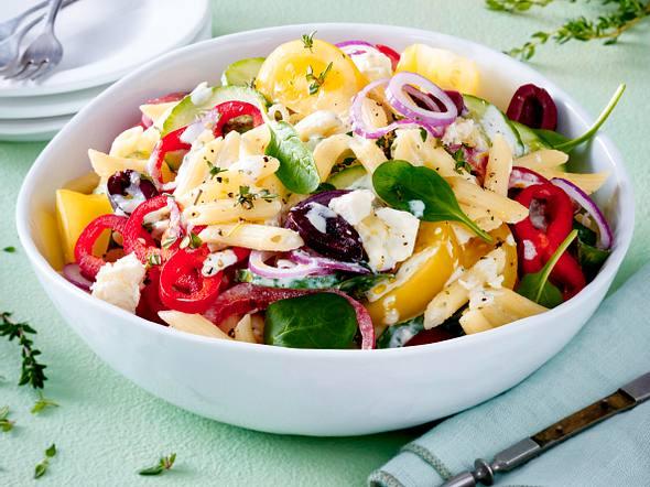 Griechischer Nudelsalat mit Fetadressing Rezept