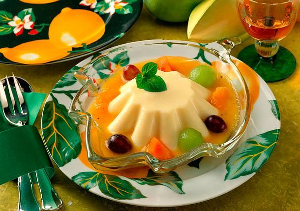 Grießflammerie mit Früchten Rezept