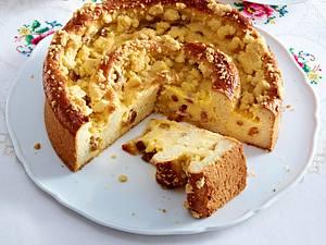 Große Puddingschnecke mit Streuseln aus der Springform Rezept