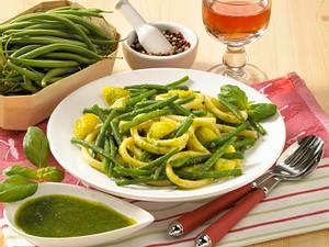 Grüne Bohnen mit Nudeln und Pesto Rezept