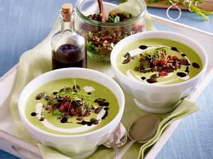 Grüne Spargelsuppe mit Fenchel und Spinat Rezept
