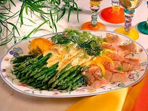 Grüner Spargel mit Orangen-Hollandaise und pochier Rezept