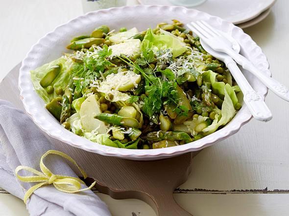 Grüner Spargelsalat mit Parmesan Rezept