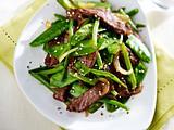 Grünes Wok-Gemüse mit Rindfleisch Rezept