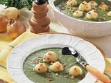 Grünkohlsuppe mit Speck-Klößchen Rezept