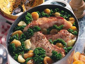 Grünkohltopf mit Aprikosen und Schweinebacke Rezept