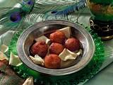 Gulab Jamuns (Süße Milchteigbällchen) Rezept