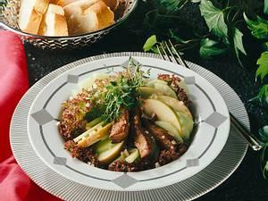 Gurken-Apfel-Salat mit Leber Rezept