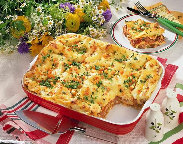 Hackfleisch lasagne mit k sekruste rezept lecker for Kochen mit hackfleisch