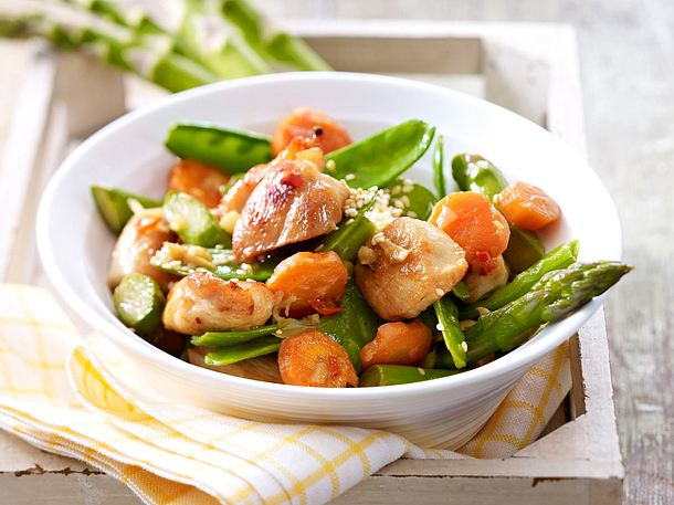 Wok-Gemüse und Hähnchenfilet Rezept
